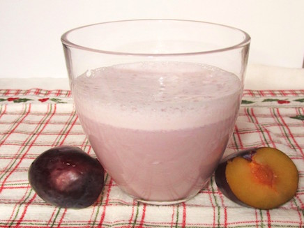 Milk shake with Organic Plums