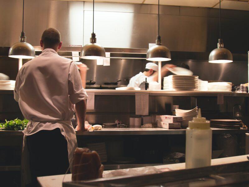 Nuovi regolamenti per l'etichettatura energetica delle attrezzature professionali: guida per il ristoratore